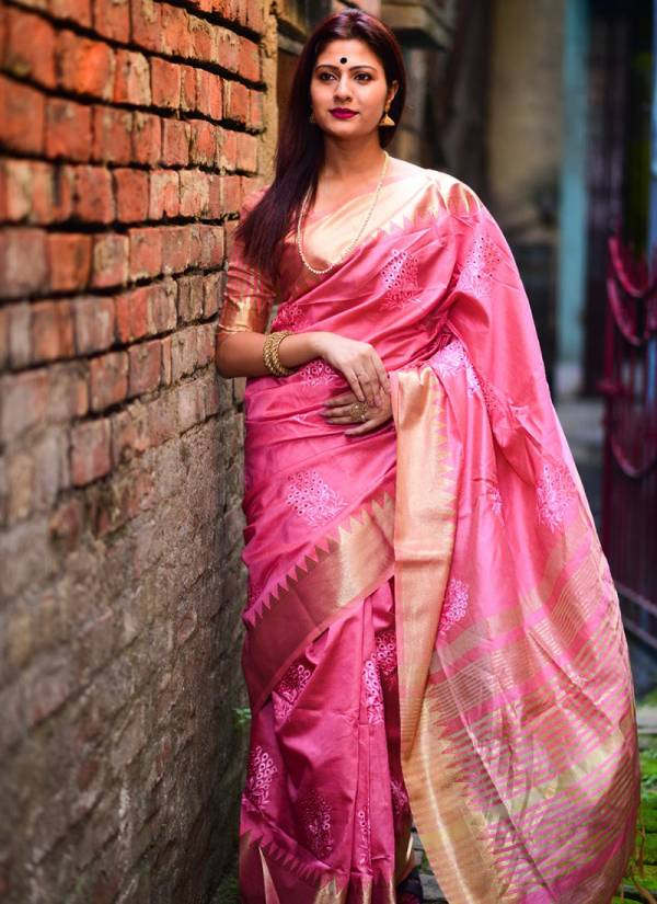 Ladys Ethnic Aasam Silk Embroidered And Zari Work Wedding Wear Sarees Collection